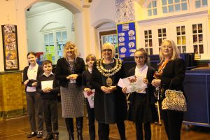 prize winners with the mayor