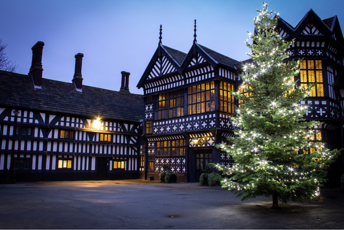 Bramhall Hall Dec 2019